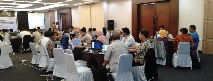 Pelaksanaan Workshop Evaluasi Kurikulum Sekolah Pascasarjana Universitas Widyatama